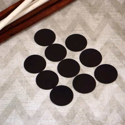 Circles of magnetic vinyl 0,4mm. Diameter is 35mm. 10 pieces.